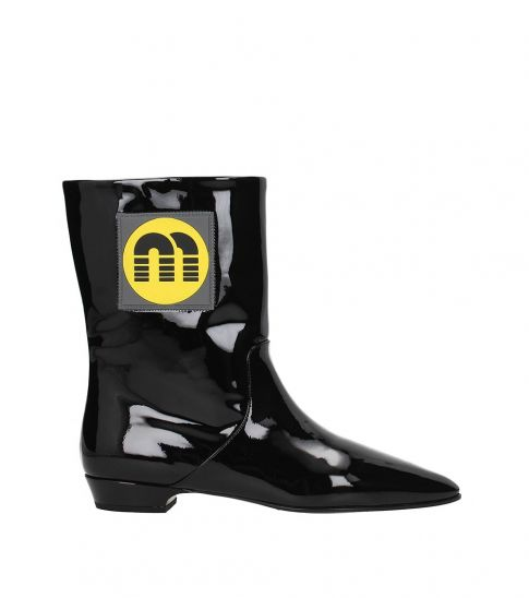35c3ae03cce Black Side Logo Boots